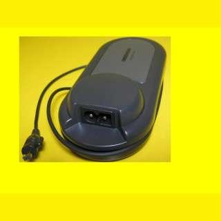 Originales Camcorder Netzteil/ DC 7,4V Netzbetrieb : DC 8,4V/Netzadapter/ Samsung AA-E7/Medion
