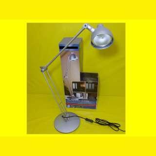 Elegante Halogen-Tischleuchte für Büro und Wohnbereich/Silber